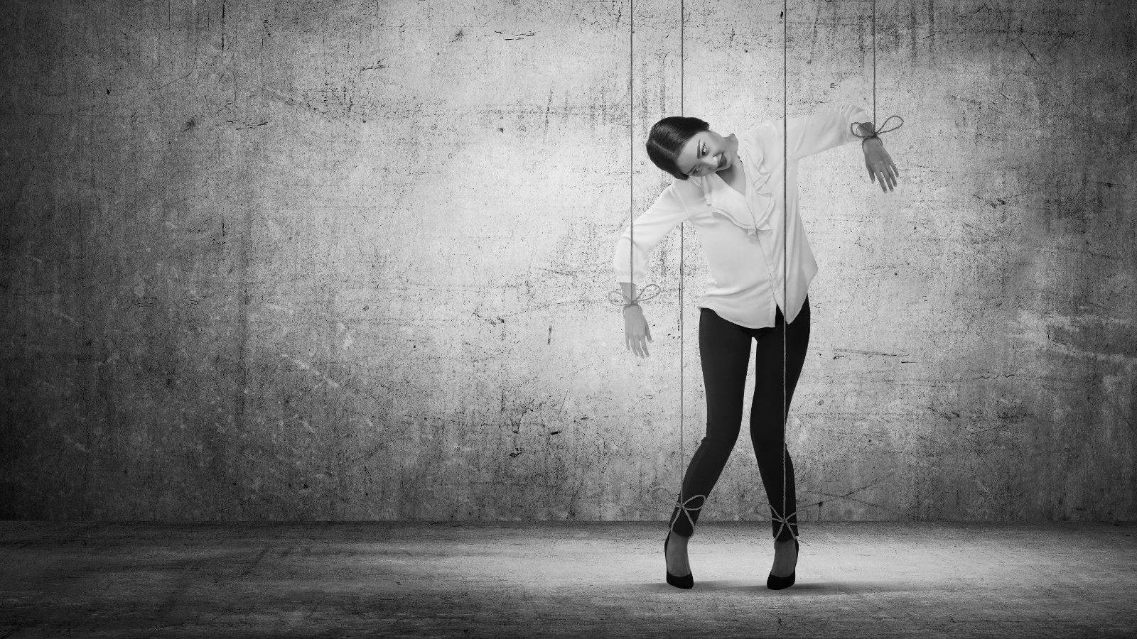 Psychische Gewalt verfolgt das Ziel, Macht und vollumfängliche Kontrolle über die Partnerin zu gewinnen